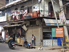 new delhi 2019 (gerben more) Tags: newdelhi delhi house streetscene streetlife street india