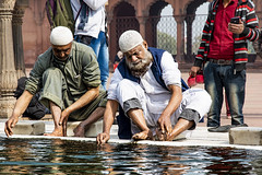 Muslims, Jama Masjid (Valdas Photo Trip) Tags: india delhi mosque islam people jama masjid