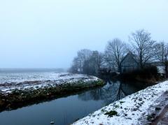 's Heerenhoek (Omroep Zeeland) Tags: mist sneeuw bij de natuurlijke oever