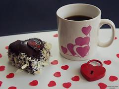 Kaffeepause (ingrid eulenfan) Tags: 2019 kaffeepause pausecafé coffebreak 365project kaffee espresso cappuccino cup coffeepot tasse coffee coffeetogo kuchen herz schlos cake heart valentinstag
