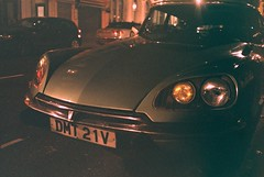 DS (Chi Bellami) Tags: film fujifilm fujicolor c200 chinon bellami 35mm compact zonefocus scalefocus scanned scan colour c41 negative westendcameras chibellami citroen ds expired london londonist classic automobile
