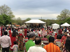 Family and Friends, Indian festival at Gateway Park, Rosslyn, Virginia (Paul McClure DC) Tags: arlington virginia rosslyn people arlingtoncounty apr2019 park