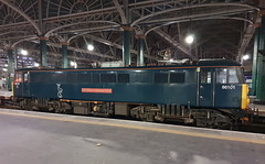Glasgow Central (DarloRich2009) Tags: 86101 sirwilliamastanierfrs class86 theaclocomotivegroup wcml westcoastmainline gbrf gbrailfreight eqtpartners eqt hectorrail electrictractionlimited etl sercocaledoniansleeperlimited caledoniansleeper serco sercocaledoniansleeper glasgow scotland uk glasgowcentral glaschumheadhain glasgowcentralstation glasgowcentralrailwaystation
