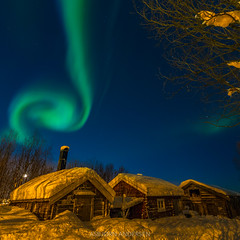 Cold and Warm (Asbjørn Anders1) Tags: nordlys auroraborealis northernlights tromsø tromso norway winter night boathouse cottage sky blue nightphotography