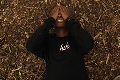 rui, aerea (Mvdsds) Tags: tshirt verao marca roupa clothes hsk headshock national outside nacional fora externo canon t6 nature natureza green portrair retrato portrait park parque sun clouds nuvens verde mato arvores tree trees arvore new people man boy kid black niggah ensaio praça