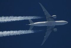 ET-ANN (zhirenchen) Tags: boeing b777 777 b777200lr b77l 777200lr 77l ge90 b772 b777200 777200 772 cruise high altitude contrail stream cloud trail vapor tail track steam chemtrail rnav nikon coolpix p1000 megazoom telephoto telescope jet plane airplane spotting aircraft airline airliner flight flightradar24 fr24