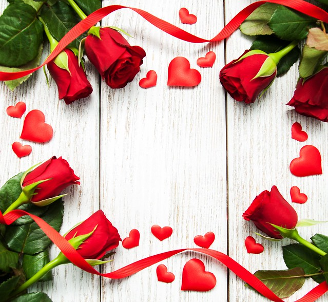 Обои розы, red, love, бутоны, heart, flowers, romantic, roses, красные розы, valentine`s day картинки на рабочий стол, раздел цветы - скачать