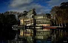 Madrid - España (Garciamartín) Tags: palaciodecristal paisaje agua arquitectura reflejo monumento retiro madrid españa europa estanque lago garciamartín nino nubes