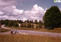 tm_6836 (Tidaholms Museum) Tags: färgat landsväg sandhem countryroad