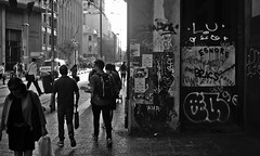 Walking_3 (disurbia) Tags: creativecommons urban city ciudad street calle santiago black bw nb monochrome distopia dystopia stgo streetphotography photography people gente graffiti