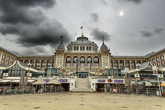 Kurhaus Hotel - The Hague, Netherlands 2016 (Yoann Fitoussi) Tags: hague haye kurhaus hotel canon color couleur cityscape cloud ciel sky nuage 5dmarkiii 5dmark3 urban urbain urbanscape tse24mm tse24mmf35lii
