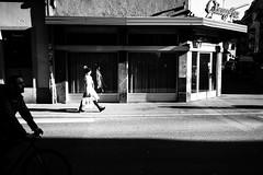 sun/light (gato-gato-gato) Tags: apsc europa europe fuji fujifilmx100f schweiz street streetphotography switzerland x100f zurich zürich autofocus flickr gatogatogato pocketcam pointandshoot streettogs wwwgatogatogatoch mensch person human pedestrian fussgänger fusgänger passant suisse svizzera sviss zwitserland isviçre zuerich zurigo zueri fujifilm fujix x100 x100p digital