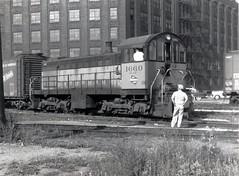 Milwaukee Road S2 1660 Kingsbury at Illinois, Michael Gruber (jsmatlak) Tags: milwaukee road chicago train locomotive engine switcher alco s2