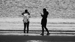 Seaside Selfie (byronv2) Tags: edinburgh edimbourg scotland portobello seaside coast coastal sea northsea river riverforth rnbforth firthofforth forth beach sand water peoplewatching street candid camera selfie cellphone mobilephone phone photographer blackandwhite blackwhite bw monochrome
