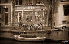 De Knopenwinkel. (Digifred.nl) Tags: digifred 2019 nikond500 amsterdam nederland netherlands holland iamsterdam straat street city grachten streetphotography knopenwinkel buttonshop herengracht