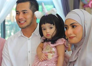 """""""Maryam Sambut HariJadi Genap Setahun"""" Fizo dan Mawar Raikan Harijadi Anak bertemakan Unicorn"""