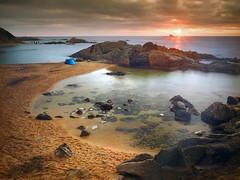 Albada a Cala Estreta... (Felip Prats) Tags: empordà costabrava albada amanecer sunrise calaestreta