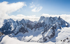Aventuriers des Hauts Reliefs (Alain@BlueSunset) Tags: chamonix montagnes mountains france alpes nuages clouds sky ciel hautesavoie
