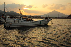 Sunset with Mount Wakasa Fuji (Teruhide Tomori) Tags: sea harbor boat takahama fukui wakasa mtaoba sunset clouds sky mountain bay water japan japon landscape 若狭 高浜 福井県 日本 夕焼け 北陸 夕日 日没 風景 漁港 漁船 若狭富士 青葉山 空 雲 mtwakasafuji