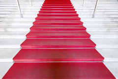 Red Carpet (CoolMcFlash) Tags: red carpet stairs abstract minimalistic minimalism minimalistisch canon eos 60d geometry roter teppich stufen stiegen abstrakt geometrie fotografie photography sigma 1020mm 35