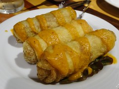 Nepali Spring Rolls @Hymalata Table, Tokyo (Phreddie) Tags: nepal hymalayatable restaurnat nepalifood food beer craftbeer ale ipa drink restaurant delicious happy party kanda tokyo japan dinner