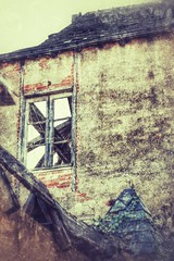 Après le feu 🔥 (LUMEN SCRIPT) Tags: urbex bricks wall derelict architecture window abandonment decay