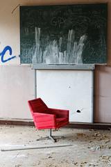 comfortable (birk.noack) Tags: verfallenzerstörtaltmüllvermülltvergessenschuleklassenraumsesseldilapidateddestroyedoldrubbishgarbageforgottenlostplacesschoolclassroomarmchair verfallen zerstört alt müll vermüllt vergessen schule klassenraum sessel dilapidated destroyed old rubbish garbage forgotten lostplaces school classroom armchair