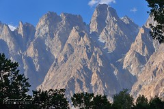Tupopdan, Cônes de Passu,  6106 mètres en fin d'après-midi © Bernard Grua (Photos de voyages, d'expéditions et de reportages) Tags: tupodan passucones glacier karakoram montagne hunza gojal bernardgrua passu gilgitbaltistan pakistan
