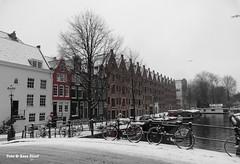 Achtergracht, 22-1-2019 (k.stoof) Tags: sneeuw achtergracht amsterdam centrum canal gracht winter snow bridge brug pakhuizen