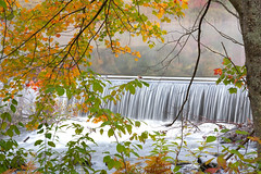 4325Fall08 (Robin Constable Hanson) Tags: orange water yellow fall horizontal lake landscapes mist spillway