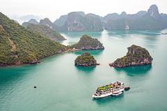 View of Ha Long bay, Vietnam (George Pachantouris) Tags: ha long bay vietnam nature unesco world heritage sea pacific ocean asia south east junk boat ship cave