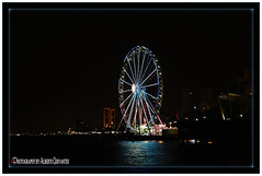LA NOCHE ES PARA LA PERLA. NIGHT IS FOR PEARL. GUAYAQUIL-ECUADOR. (ALBERTO CERVANTES PHOTOGRAPHY) Tags: laperlaguayaquil laperla noriadeguayaquil noria ferriswheel ferris wheel guayaquil ruedamoscovita rioguayas guayas river sea ocean lake streetphotography photography reflejo reflection indoor outdoor malecon2000 malecon retrato portrait nocturno night republicadelecuador guayaquilecuador ecuador gye gyeecuador ecuadorgye water building luz light color colores colors brightcolors photoborder photoart art fluvial city bright nightcolor colorlight nightscape cityscapes sky skyline landscapes skyscraper icono iconic