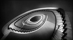 - Mandelauge - (antonkimpfbeck) Tags: hamburg architektur art treppenauge treppe staircase spiralstair fujifilm bw monochrome