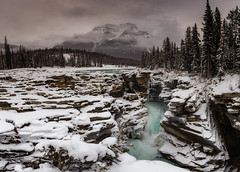 Athabasca falls (Ricard Sánchez Gadea) Tags: districtdaméliorationno12j alberta canadá districtdaméliorationno12jasper ca athabascafalls athabasca falls cascada saltdaigua agua aigua water waterfall jasper jaspernationalpark nationalpark bosque canadianrockies rockies mountains muntanya montaña nieve snow neu canon canonistas 6d 6deos 6dcanon eos6d canon6d canoneos6d 1635 1635mm canon1635 canonef1635mmf28liiusm canonef1635mmf28lii lightroom light paisaje panoramica panoramic panorama