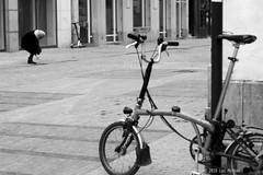 Par Terre (Spotmatix) Tags: 50mm 50mmf14 a37 belgium brussels camera effects lens minolta monochrome places primes sony street streetphotography