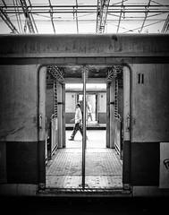 Mumbai (II) (manuela.martin) Tags: bw blackandwhite schwarzundweis streetphotography india mumbai people peoplephotography foreignpeople hasselblad x1d hasselbladx1d mediumformat