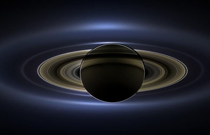 逆光沉浮的土星Saturn(credit needed)