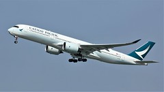 B-LRO (AnDyMHoLdEn) Tags: cathaypacific oneworld a350 egcc airport manchester manchesterairport 23r