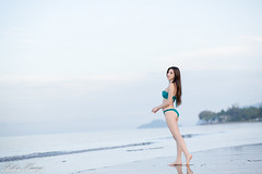DSC_8853 (Robin Huang 35) Tags: 亞庇縣 沙巴 馬來西亞 my 謝立琪 kiki sabah malaysia 丹絨亞路 海邊 海灘 沙灘 泳裝 比基尼 bikini 遊拍 人像 portrait lady girl nikon d850 beach 亞庇