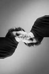 La falacia de falso dílema (Mishifuelgato) Tags: falacia falso dilema nikon d90 1870mm alicante san vicente black white blanco negro iván foto