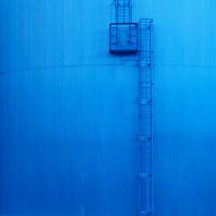 Metallic blue (PortViewR) Tags: blue silo metals square blau treppe stairs ladder leiter plattform platform