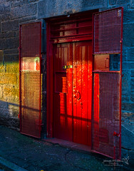 Edinburgh 24 Dec 2018 00502.jpg (JamesPDeans.co.uk) Tags: forthemanwhohaseverything edinburgh doors gb printsforsale handle red unitedkingdom doorfurniture objects scotland britain greatbritain colour wwwjamespdeanscouk europe architecture lothian landscapeforwalls jamespdeansphotography uk digitaldownloadsforlicence