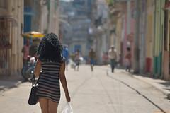 Sexy Cuban Girl (Havana). (Carlos Arriero) Tags: lahabana cuba sexy cubangirl girl chica mujer beautifulgirl beautiful woman fashion street streetphoto urban urbana calle city ciudad color colour nikon d800e tamron 70200mmf28 dof bokeh guapa bella andar walk andando walking people gente havana centroamérica latino latin carlosarriero