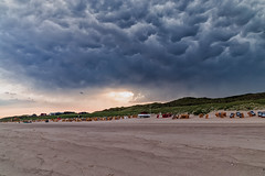 Drama (blichb) Tags: 2015 canon6d canonef2470mmf28liiusm deutschland nordsee schleswigholstein sylt blichb wenningstedtbraderup de himmel wolken strand gewitter