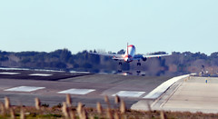 easyJet taking off from runway 25L at LEBL (vic_206) Tags: easyjeteurope airbusa320214 oeizh bcn lebl 25l