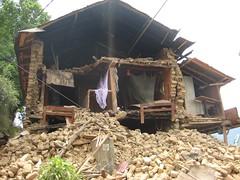 Le séisme de 2015 a détruit de nombreux bâtiments dans toute la vallée de Katmandou (infoglobalong) Tags: bénévolat humanitaire stage bâtiment construction reconstruction catastrophe séisme tremblementdeterre maison structure chantier asie népal