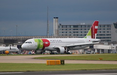 TAP Air Portugal CS-TNK arrival at Manchester MAN England UK from Lisbon LIS Portugal (Cupertino 707) Tags: tap air portugal cstnk arrival manchester man england uk from lisbon lis tapairportugal airportugal airbus a320214 first flight date 24032000 27042000 named teofilo braga