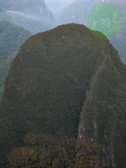 Putucusi, Provincia de Urubamba - Distrito de Machupicchu (Región Cusco / Perú) (jsg²) Tags: regióncusco provinciadeurubamba distritodemachupicchu vallesagradodelosincas perú américadelsur sudamérica suramérica postalesdelmusiú travel viajes fotosjsg2 johnnygomes fotografíasjohnnygomes jsg2 machupicchu cordilleraoriental pachacútec tahuantinsuyo inca llaqta santuariohistóricodemachupicchu nuevassietemaravillasdelmundomoderno new7wondersoftheworld patrimoniodelahumanidad patrimoniomundial unesco worldheritagesite putucusi quechua