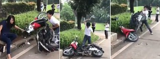 Tular Rakaman Lelaki Jahanamkan Motorsikal 'Awek' Dia Depan Polis. Puncanya Buat Ramai Tergelak