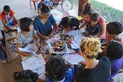 Atelier coloriage (infoglobalong) Tags: stage étudiant service bénévolat volontaire international engagement solidaire voyage découverte enseignement éducation école enfants aide alphabétisation scolaire asie thaïlande jeux sport art informatique rénovations